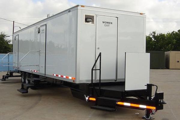restroom trailer rentals lafayette la