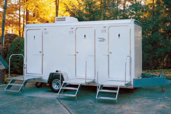restroom trailer rental